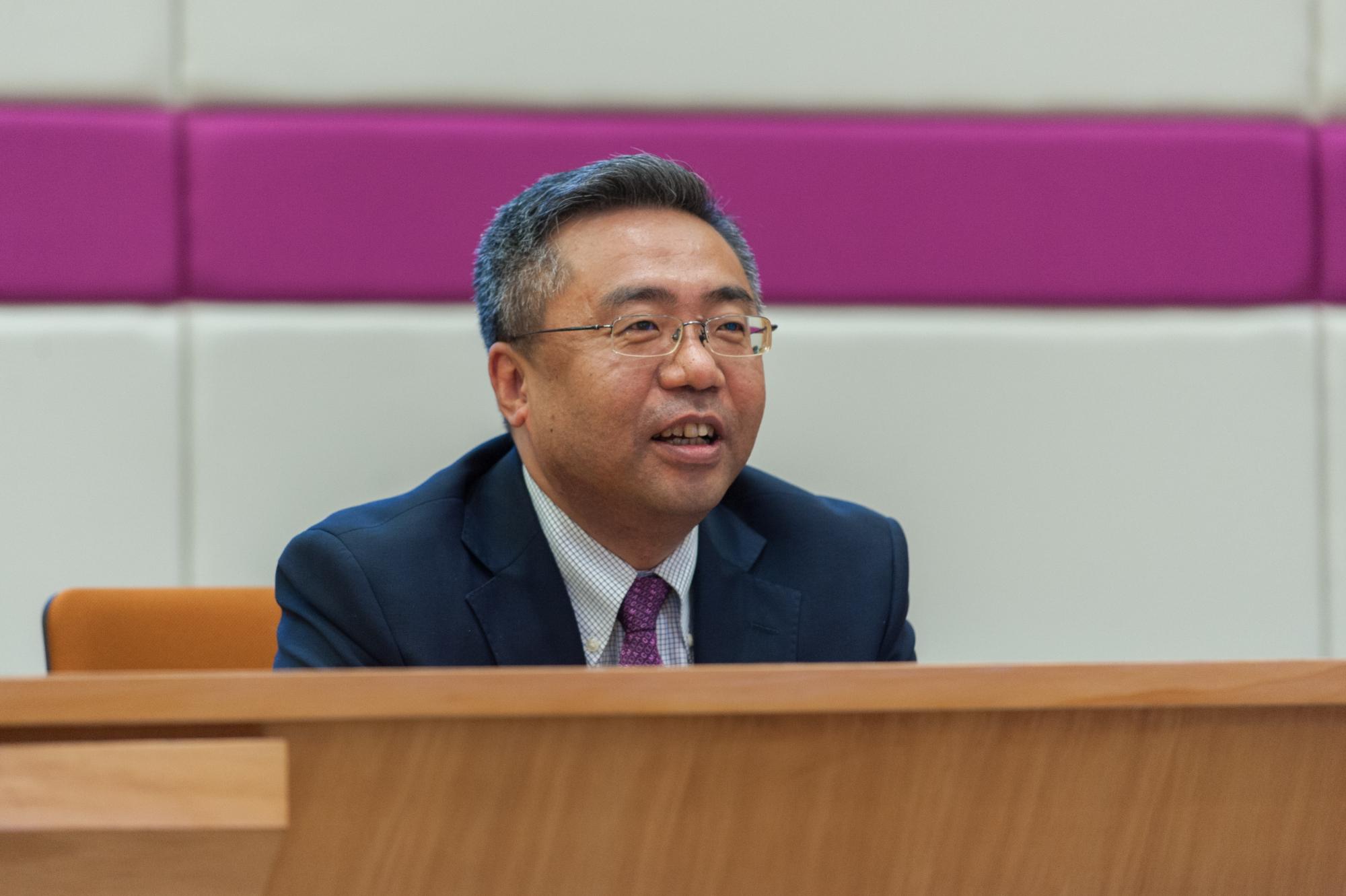 外交部駐港副特派員楊義瑞蒞臨浸大演講